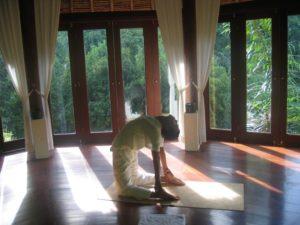 《伝統&スピリチュアル体験》バリ島 バグースジャティ バリ衣装でお祈り&滝で浄化&アーユルベーダも 4泊6日